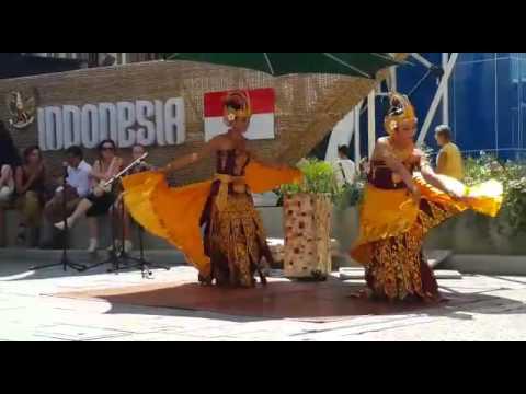 Cendrawasih Dance Bali