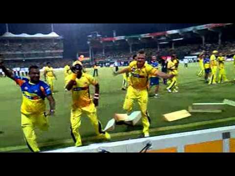IPL Finals 2011[Bollinger and Bravo  Kuthu Dance.3gp]