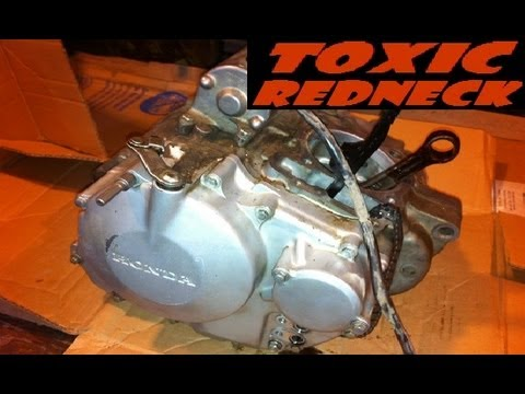 Pulling Apart the Honda TRX400EX Engine (engine disembly) on
