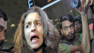 Bollywood Actress Angry On Media - Video Compil...