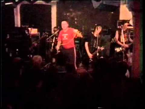 Negu Gorriak - 11 - Borreroak baditu milaka aurpegi (Live Stortebeker, Hamburg, 22/09/1993)