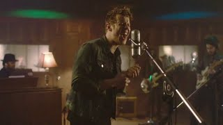Anderson East - Find 'Em, Fool 'Em and Forget 'Em [Live from Fame Studios]