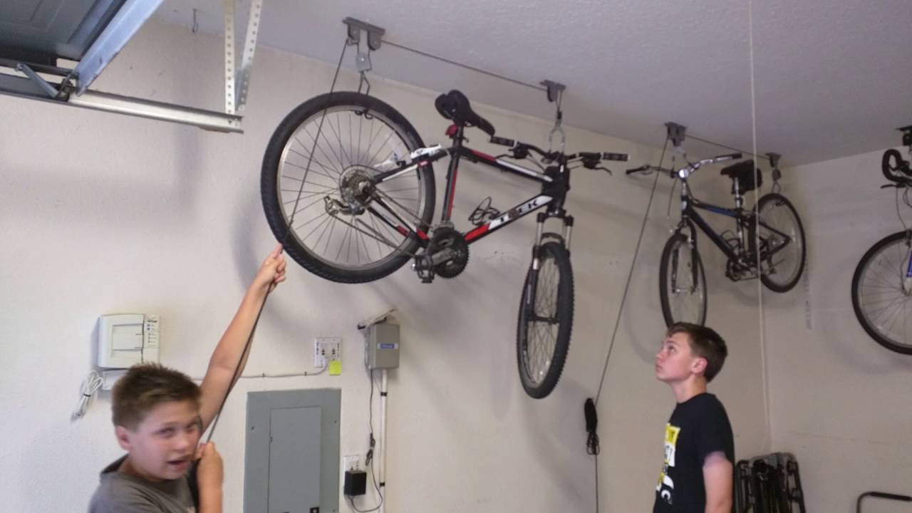 How to use Racor PBH-1R ceiling mounted bike lift - YouTube