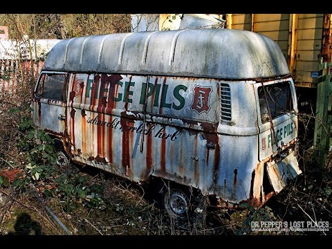LOST PLACE - Der Autofriedhof mit Bunker ## Jede Menge VW Bullis