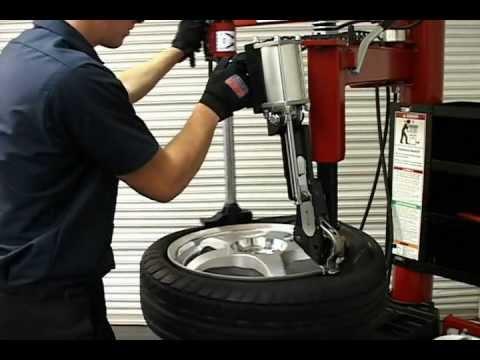 Tire Changers: COATS Power Duckhead Leverless Bead Lifter Demonstration