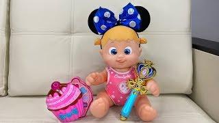 Маша устроила куклам салон красоты