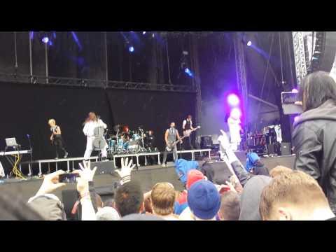 Skillet - Awake and Alive Live - Download Festival