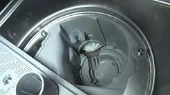 Miten voin poistaa tukkeutumia astianpesukoneen pumpusta?