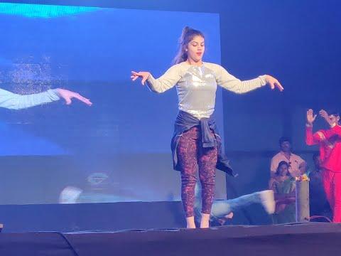 Swing Zara Dance By Aqsa Khan || Nellore Event
