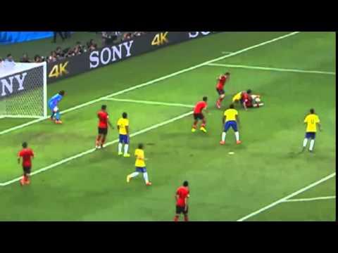 Univisión Deportes - Espectaculares Atajadas de Memo Ochoa MUNDIAL FIFA 2014