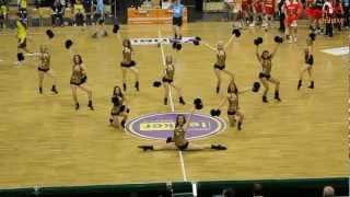 "Dance Deluxe: Füchse-Dancers performen zu ""Played Alive"""
