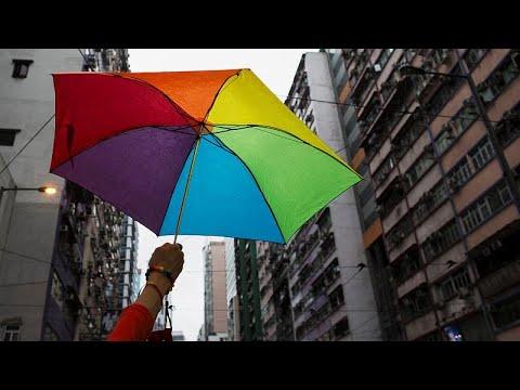 استفتاء على منع زواج المثليين في رومانيا.. وجماعات حقوقية تطالب بالمقاطعة…