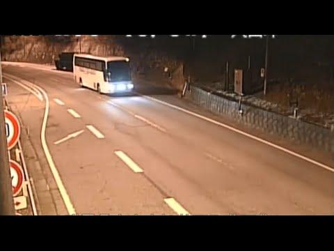 MVC: 2016/1/20 軽井沢・スキーバス事故 監視カメラの映像