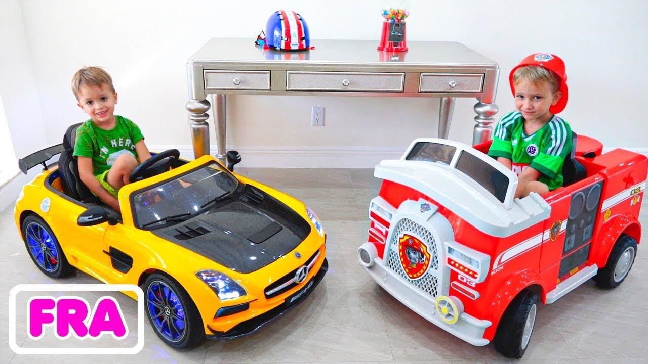 Download Vlad et Nikita et les jeux de voitures dans leur nouvelle maison