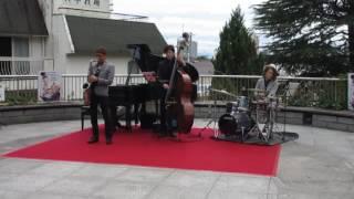 秋の北野町広場『三日月音楽祭』のJAZZ最高でした(^^♪1.