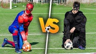 SPIDER-MAN VS BATMAN!   Piłkarski pojedynek! PNTCMZ