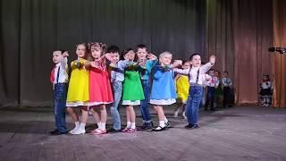 """Download Детский сад """"Ромашка"""" Выступление на сцене Едем в соседнее село Mp3 and Videos"""