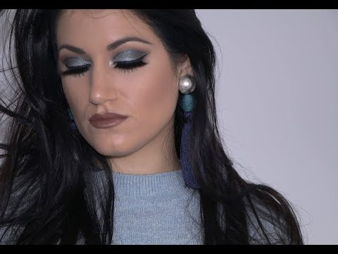 SPECIAL MAKE UP | BLUE Sparkly Look | English