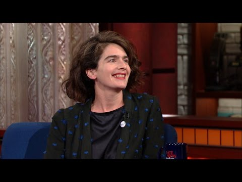 Gaby Hoffman Talks 'Transparent,' Gender & Feeling The Bern