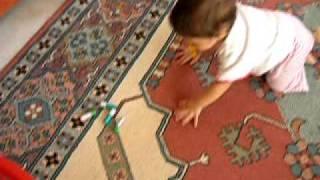 CANSU AYDIN EMEKLİYOR ( 25.09.2011) VE ABİSİ AHMET (BAY TATIL)