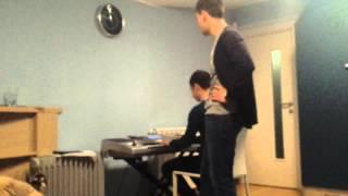 Pozdrav od Me gusta benda sa slave :) Puste pare proklete :) ( Stefan i Marko )