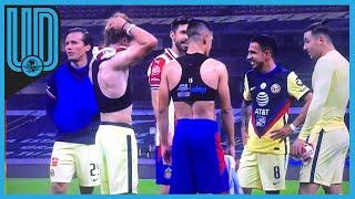 Al término del Clásico Nacional se vio una imagen poco común en el gran juego del futbol mexicano y las aficiones no lo vieron bien