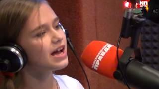 Маленькая девочка поет Avril Lavigne - Alice