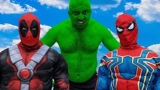 Superheroes VS Siren Head