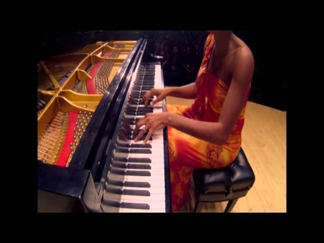 JADE SIMMONS Performs with Sphinx Symphony