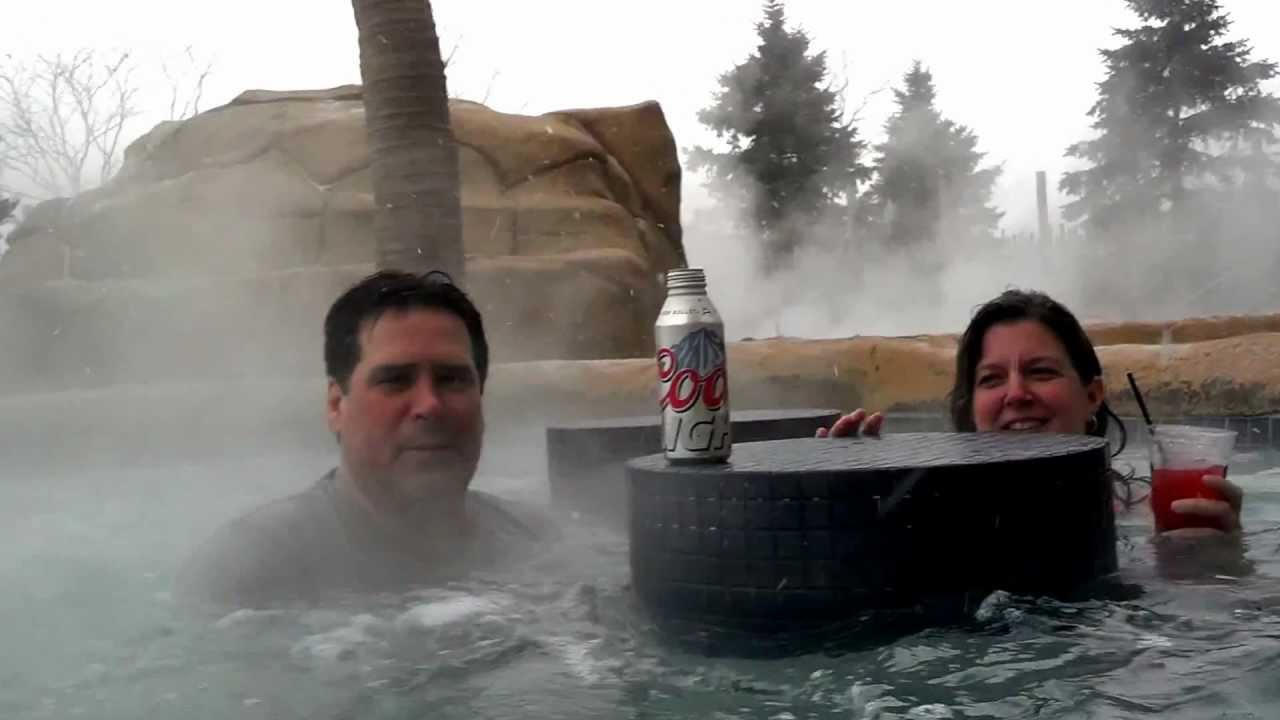 Julie Dennis Ireland Kalahari Resort Sandusky Ohio Indoor Outdoor Hot Tub Bar Youtube