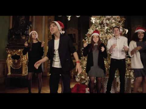 LES KIDS CHANTENT NOEL -  JINGLE BELL ROCK (Clip Officiel)