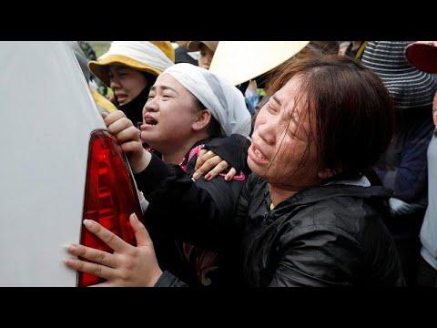 عودة إلى فيتنام في تابوت.. وصول آخر جثامين المهاجرين الذين قضوا داخل شاحنة في لندن …  - 21:58-2019 / 12 / 1