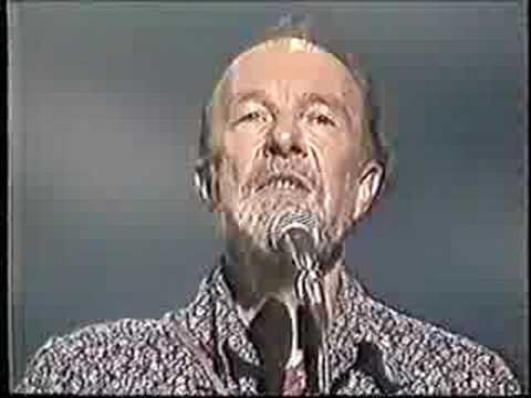 Pete Seeger And Arlo Guthrie - Way Out There