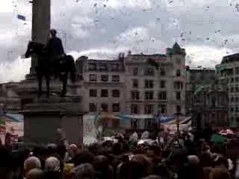 London gets 2012 Olympics
