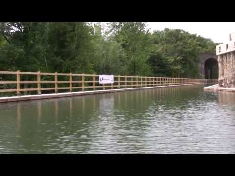 Cotswold Canals - Capel Mill canal cruising new section of Thames & Severn canal