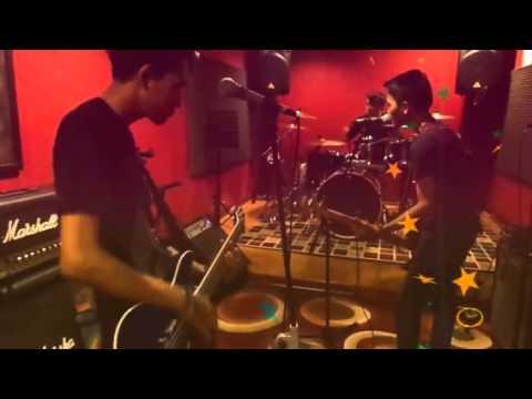 CHUCKY FUNKY - MENGEJAR MIMPI Mp3