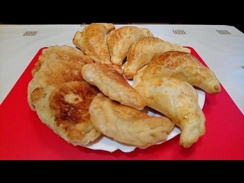 Вместо хлеба: пирожки из слоеного теста с яйцом и зеленым луком