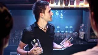 Всем барменам посвещается! Cuba Libre & Bacardi Mojito(, 2011-07-12T11:58:33.000Z)