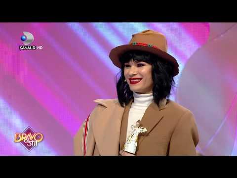 "Bravo, ai stil! (03.01.) - Irina, imbratisata de unul dintre jurati: ""Porti tinuta mea preferata!"""