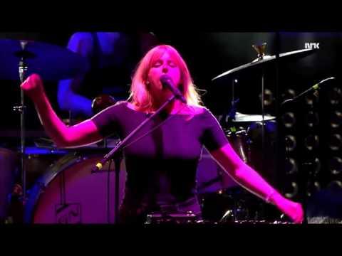 Susanne Sundfør - Slowly (Live @ Øyafestivalen '15)