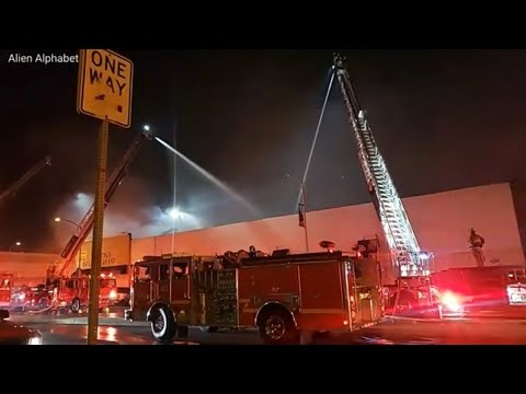 4-Alarm Fire engulfs 4700 Whittier Blvd Casa Olympic in East L.A. California