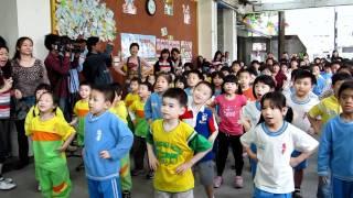 20110516台北市「忠孝國小」打擊腸病毒記者會 巧虎帶領跳洗手舞