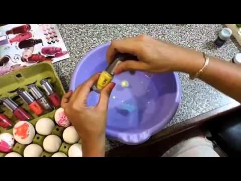 C mo pintar huevos de pascua con esmaltes oriflame youtube for Como pintar huevos de pascua