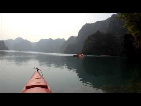 Globe Dreamers : Kayak sur la Baie d'Halong (Cat Ba - Vietnam)