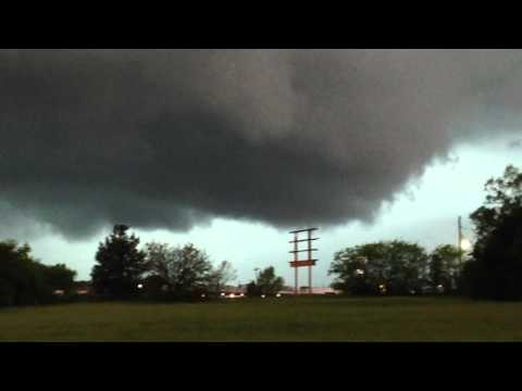 Tornado Warning Topeka, KS 4.26.16
