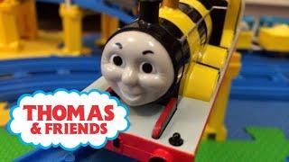【trenes de juguete 】Thomas y sus amigos juguetes - Busy Bee James (00389 es)
