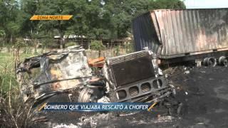 Noticieros Televisa Veracruz - Se incendia autobús de pasajeros