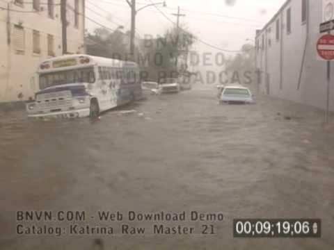 8/29/2005 Hurricane Katrina Video, The Flooding Begins, New Orleans, LA. Raw Master - 21