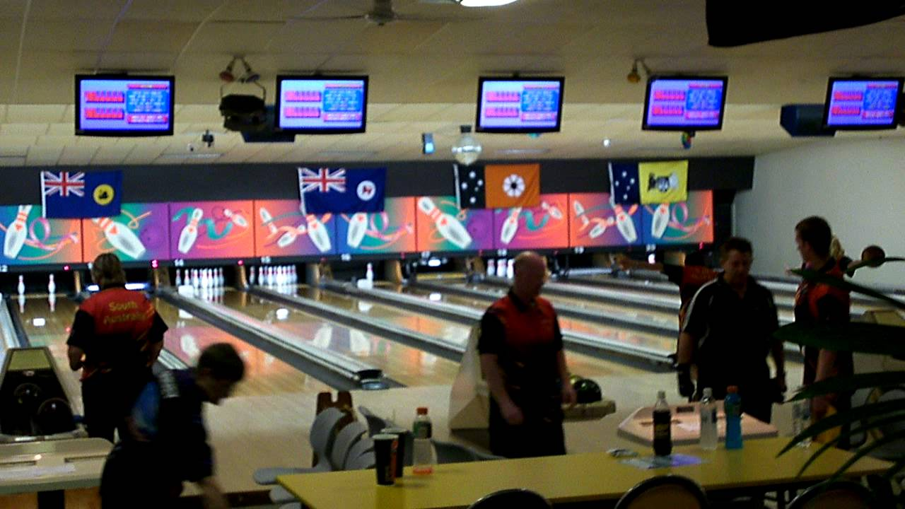 darrell holt challenge 2011 go bowling ashmore youtube