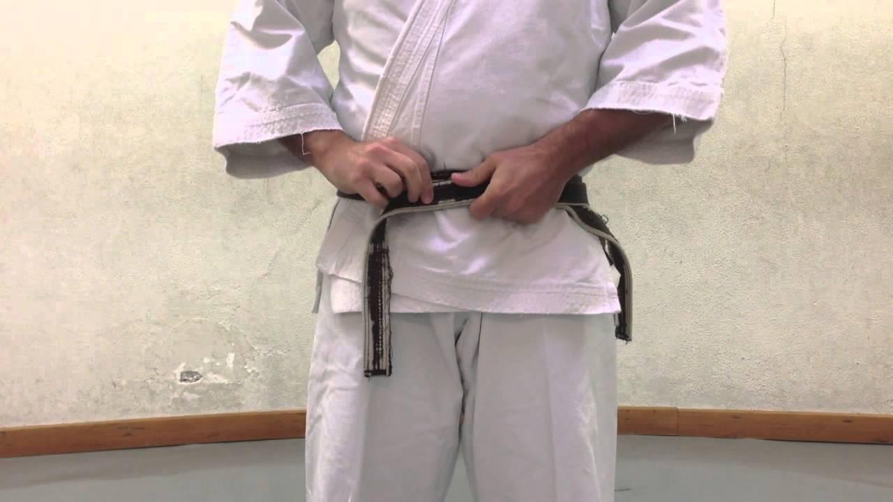 servizio eccellente grande selezione vero affare OBI (Ita) - Indossare la cintura nelle Arti Marziali giapponesi